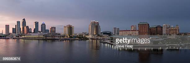 tampa, florida, usa - skyline - tampa stock-fotos und bilder