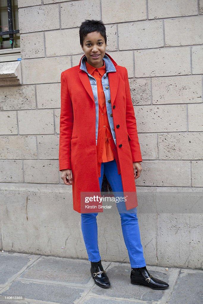 Tamu Mcpherson Blog.Tamu Mcpherson Blogger Wearing Paul Smith Coat Gap Denim
