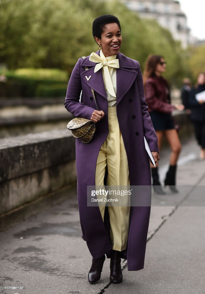 Street Style : Paris Fashion Week - Womenswear Spring Summer 2020 : Day Seven : News Photo