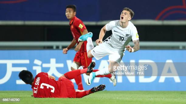 Tan Sinh Huynh tackles Myer Bevan of New Zealand during the FIFA U20 World Cup Korea Republic 2017 group E match between Vietnam and New Zealand at...