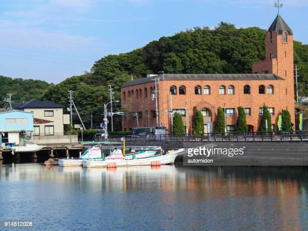 tanabe bay and kindai university - präfektur wakayama stock-fotos und bilder
