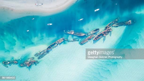tangalooma wrecks - restos de un accidente fotografías e imágenes de stock