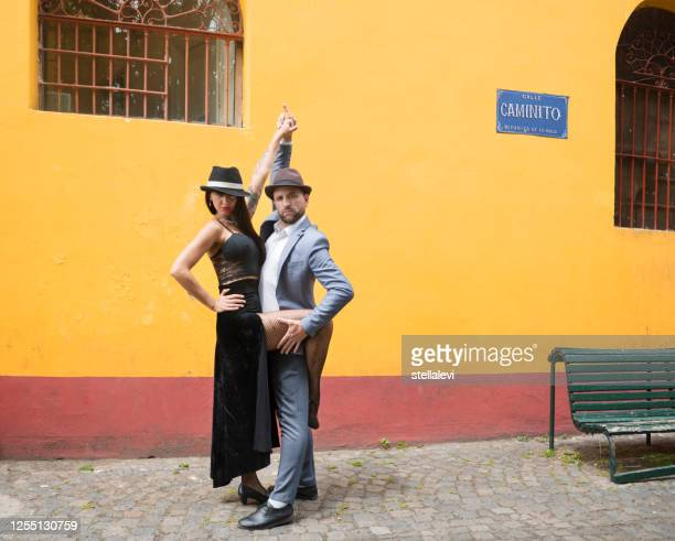 tango dance performers in la boca, buenos aires - stellalevi stock pictures, royalty-free photos & images