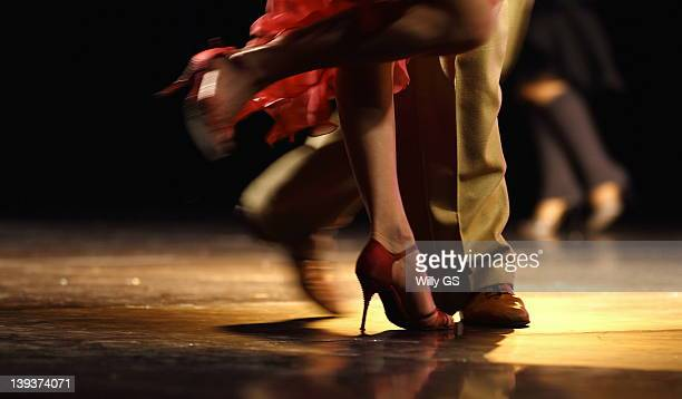 tango dancers - argentina women stock pictures, royalty-free photos & images
