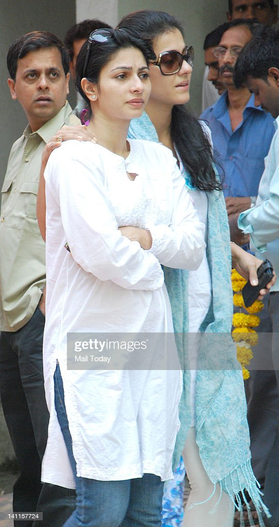 Tanisha and Kajol at Joy Mukherjee`s funeral ceremony held at Andheri Mumbai