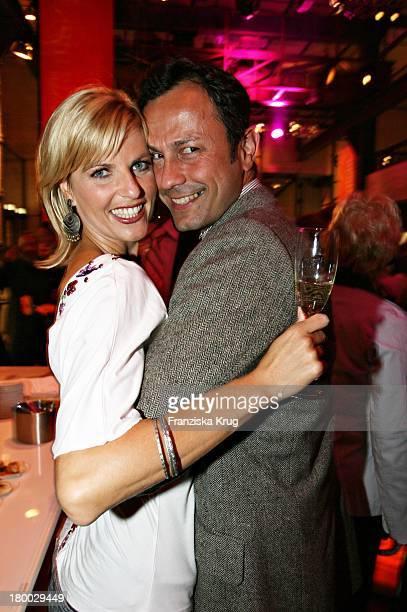 Tanja Bülter Mit Freund Moritz Quiske Beim TCom Medientreff Im EWerk Am Rande Der Ifa In Berlin Am 310806