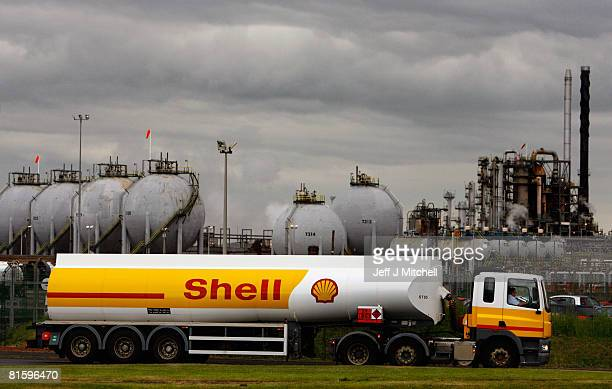 Tanker drivers working for Shell, return to work after a four day strike June 17, 2008 in Grangemouth, Scotland. The strike, which started on Friday,...