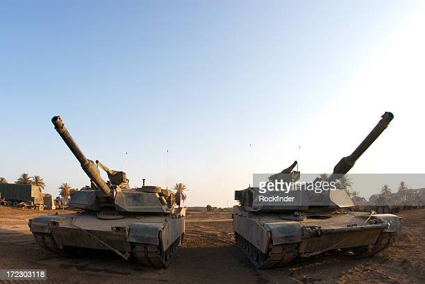 tanks - m1 abrams stock pictures, royalty-free photos & images