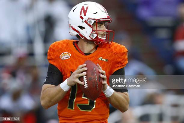 Tanner Lee of the North team throws the ball during the Reese's Senior Bowl at LaddPeebles Stadium on January 27 2018 in Mobile Alabama