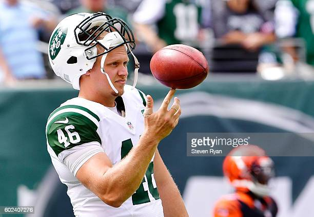 Tanner Purdum of the New York Jets warms up prior to the game against the Cincinnati Bengals at MetLife Stadium on September 11 2016 in East...