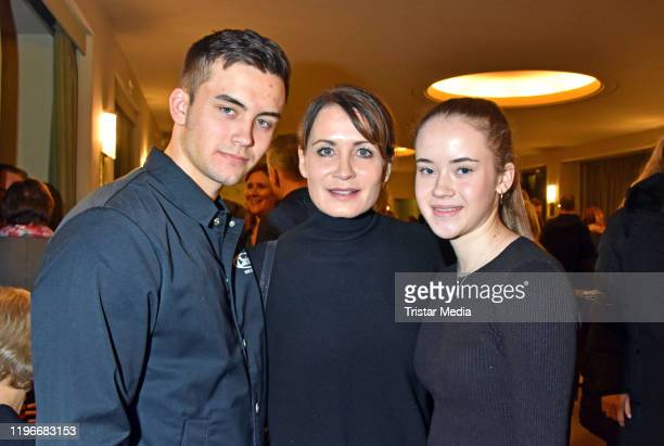 """Tano Kling, Anja Kling and Alea Kling attend the """"Ab jetzt"""" theater premiere on January 26, 2020 in Berlin, Germany."""