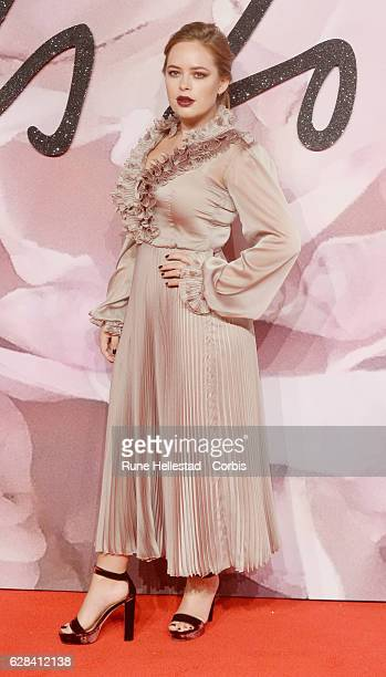 Tanya Burr attends The Fashion Awards 2016 on December 05 2016 in London United Kingdom
