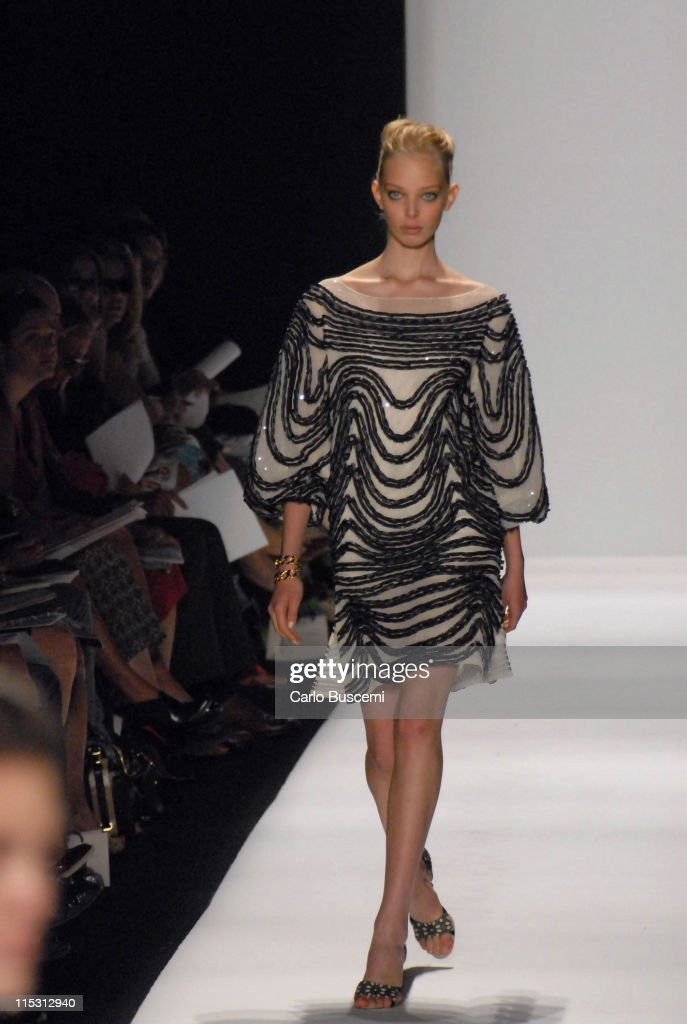 Olympus Fashion Week Spring 2007 - Carolina Herrera - Runway