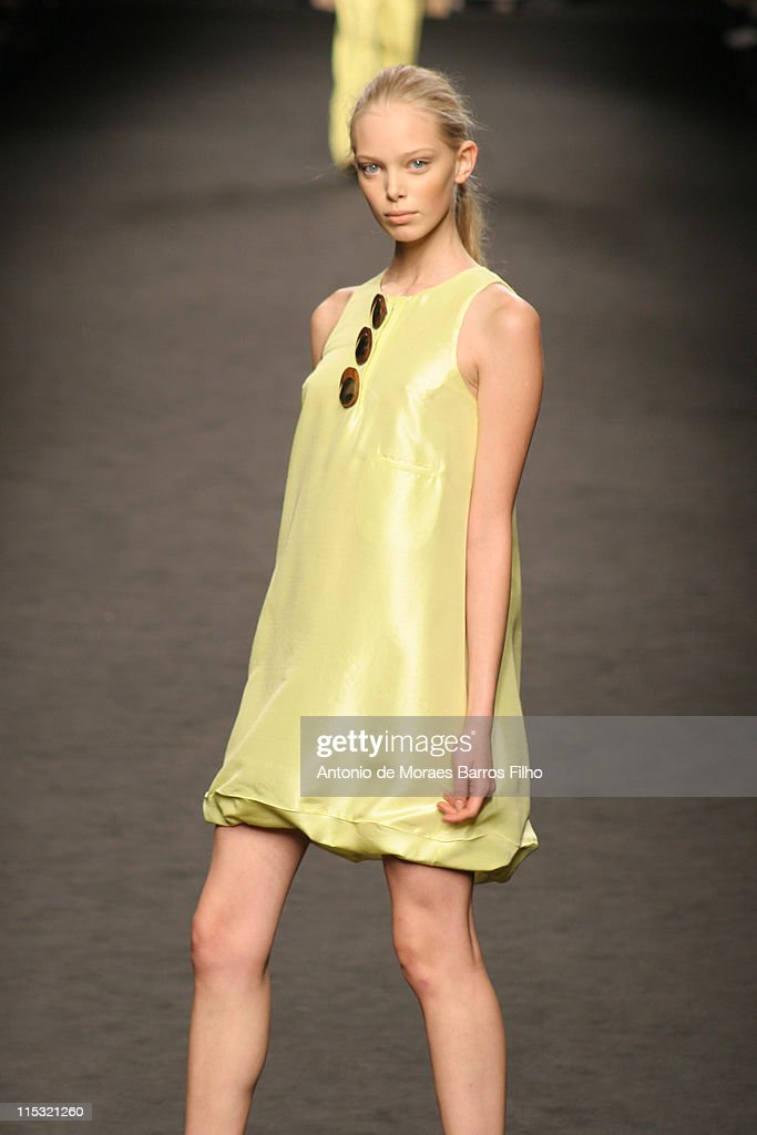 Milan Fashion Week Spring/Summer 2007 - Frankie Morello - Runway