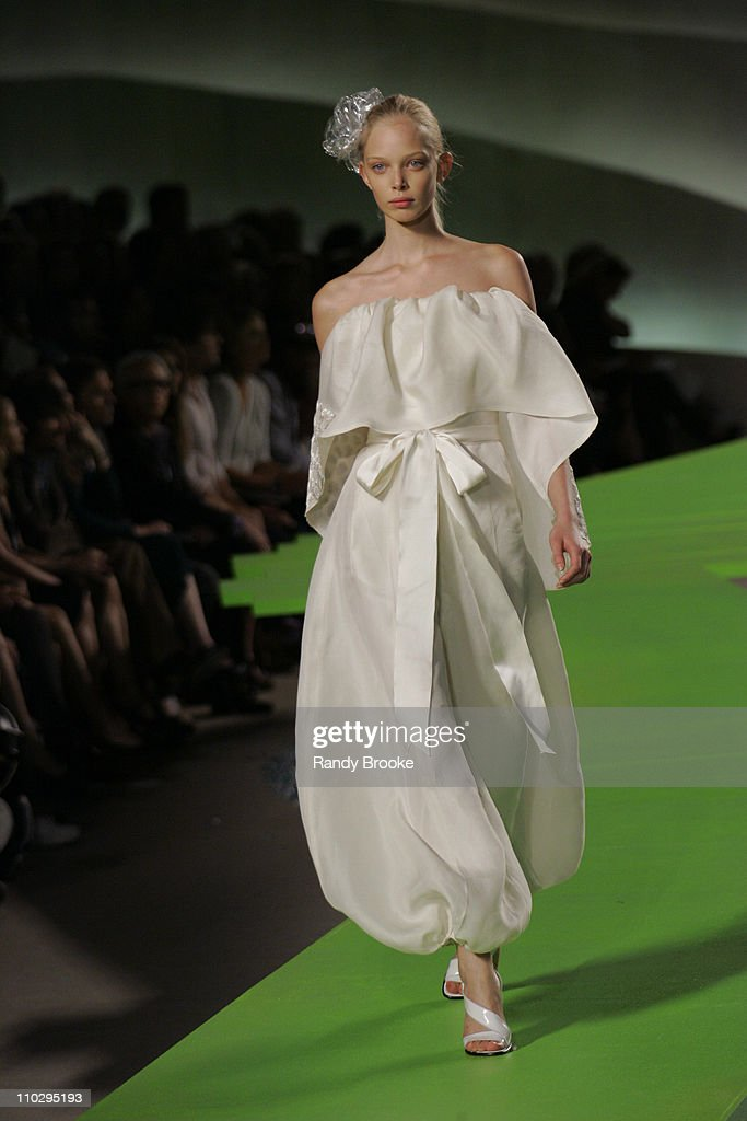 Olympus Fashion Week Spring 2007 - Marc Jacobs - Runway
