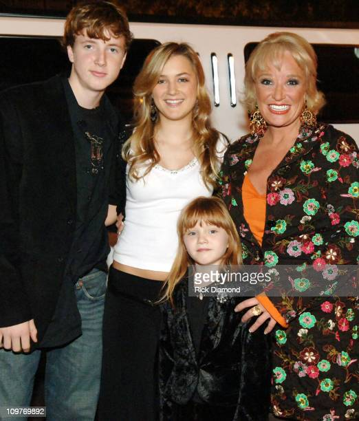 Tanya Tucker with her children Grayson Tucker Presley Tucker and Layla Tucker
