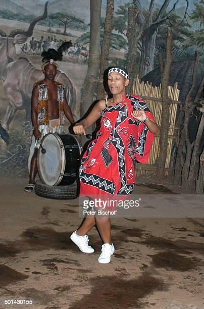 Tanzshow 'Lesedi Cultural Village' Lanseria Südafrika Afrika Kostüm Tänzerin Reise BB DIG PNr 240/2006