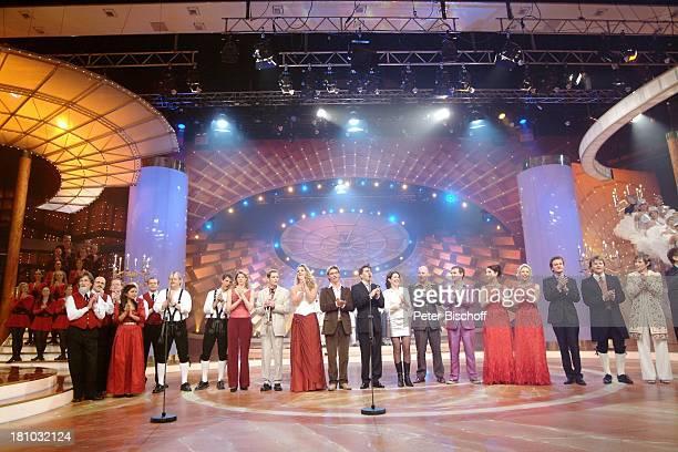 TanzTruppe Riverdance Kastelruther Spatzen davor Sängerin Belsy Original Naabltal Duo Rahel Tarelli Trompeter Torsten Benkenstein Katharina Herz...