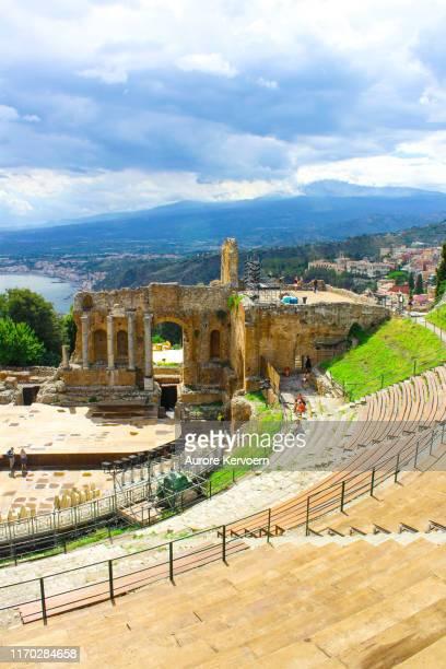 taormina antique amphitheater, sicily - taormina stock pictures, royalty-free photos & images