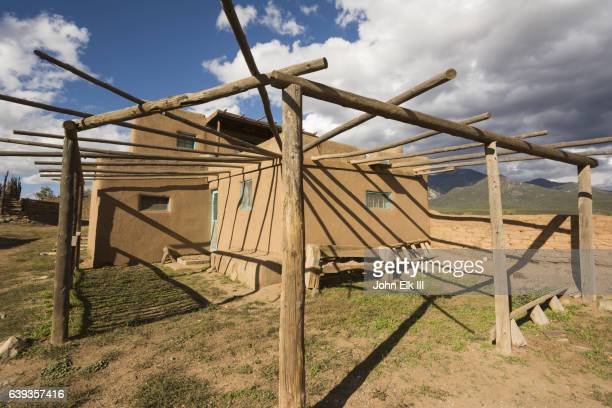 Taos Pueblo, adobe homes