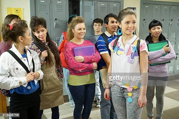 THE GOLDBERGS 12 Tapes for a Penny Adam learns about a mailorder music club and sets up a scheme to get as many tapes as possible but Beverly...