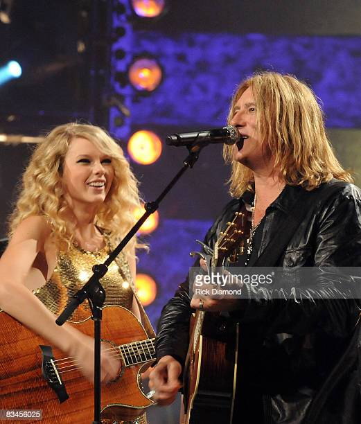 NASHVILLE TN OCTOBER 06 Taping of CMT Crossroads Def Leppard and Taylor Swift at The Roy Acuff Theater in Nashville Tennessee on CMT Crossroads...