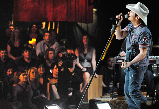 Fotos e imagens de taping of cmt invitation only with brad paisley taping of cmt invitation only with brad paisley stopboris Images