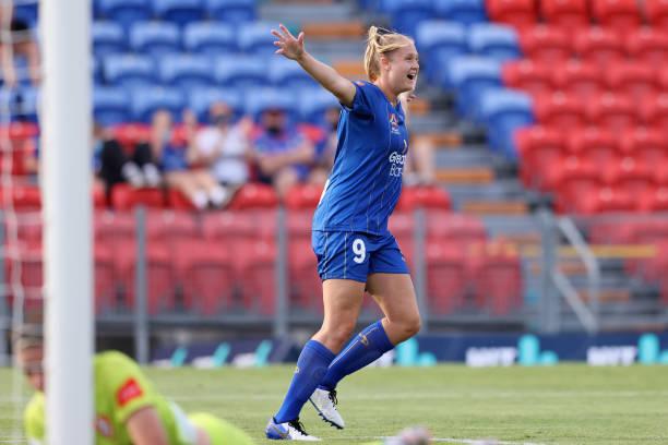 AUS: W-League Rd 4 - Newcastle Jets v Brisbane Roar