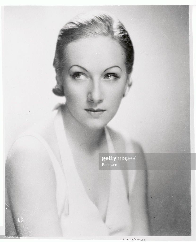 Elina Lowensohn