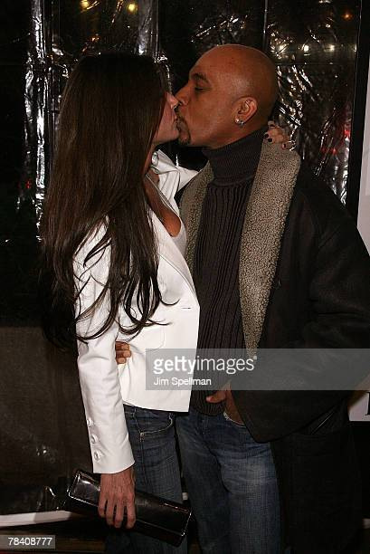 Tara Fowler and Montell Williams arrive at the I Am Legend New York Premiere at Theater at Madison Square Garden on December 11 2007 in New York City