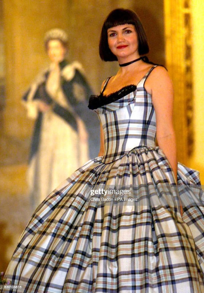 Models display the new tartan dedicated to the memory of Diana ...