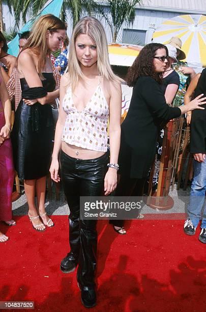Tara Reid during The 2000 Teen Choice Awards at Barker Hanger in Santa Monica California United States