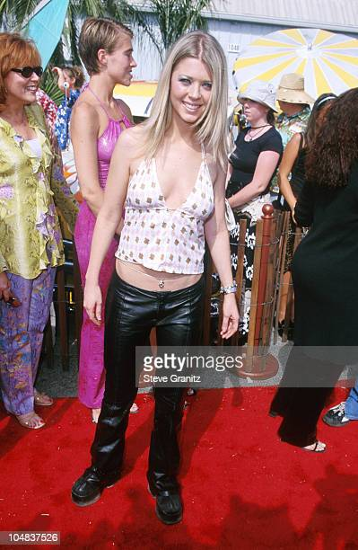 Tara Reid during The 2000 Teen Choice Awards at Barker Hanger in Santa Monica California United States