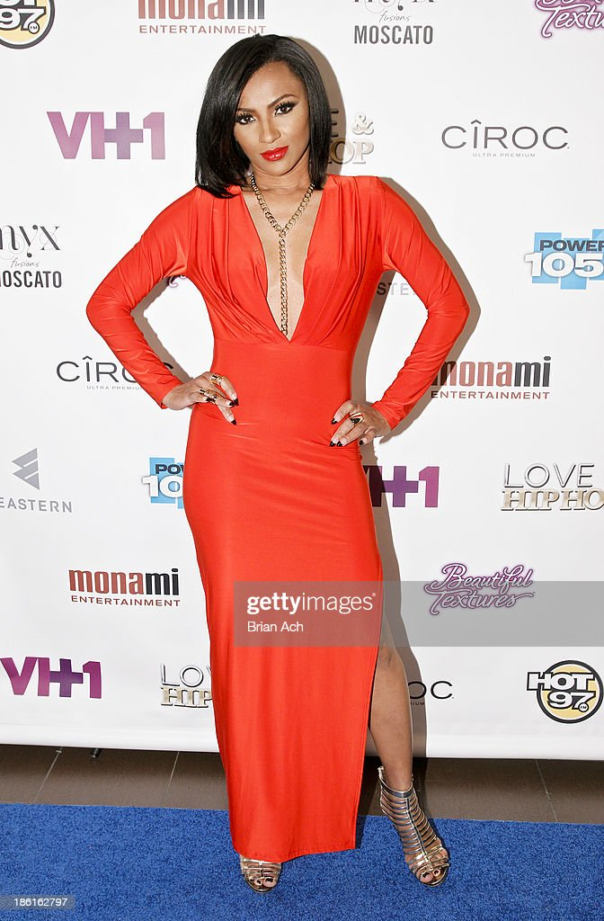 Tara Wallace appears at the VH1 'Love & Hip Hop' Season 4 Premiere at Stage 48 on October 28, 2013 in New York City.