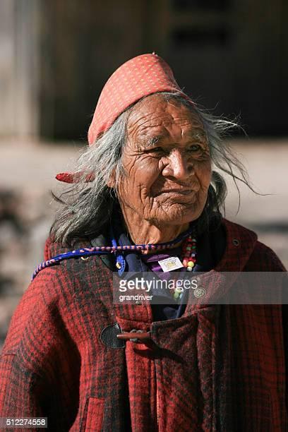 tarahumara indio tribal viejo - tarahumara fotografías e imágenes de stock