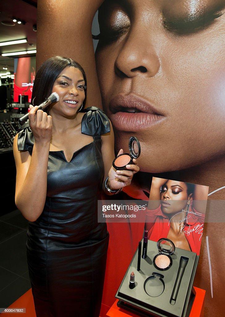 M.A.C Cosmetics Event With Taraji P. Henson At M.A.C Michigan Avenue : Fotografía de noticias