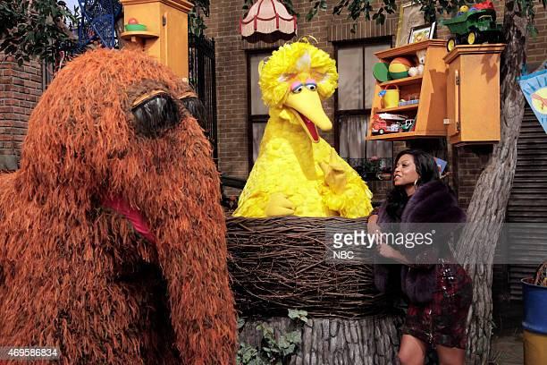 LIVE 'Taraji P Henson' Episode 1680 Pictured Mr Snuffleupagus Big Bird and Taraji P Henson as Cookie during the 'Sesame Street Promo' skit on April...
