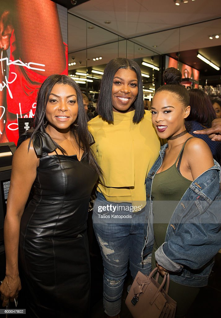 M.A.C Cosmetics Event With Taraji P. Henson At M.A.C Michigan Avenue : News Photo