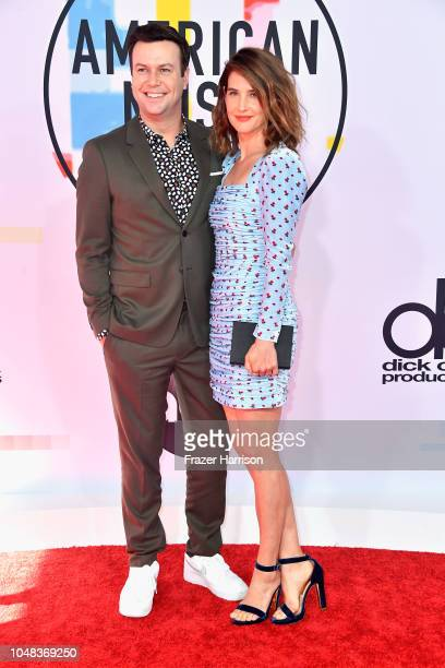 Taran Killam and Cobie Smulders attend the 2018 American Music Awards at Microsoft Theater on October 9 2018 in Los Angeles California