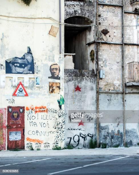 taranto, puglia, italia - centro storico foto e immagini stock