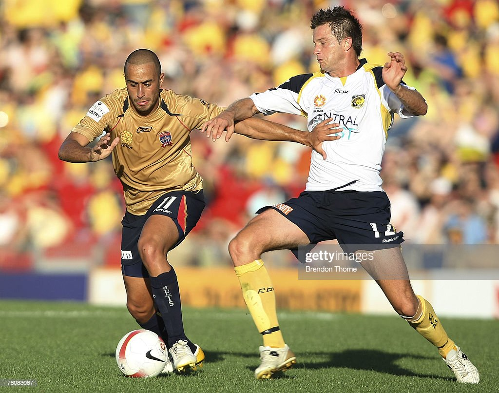 Tarek Elrich of the Jets competes with Greg Owens of the Mariners during the round 14 A-League match between the Newcastle Jets and the Central Coast Mariners at EnergyAustralia Stadium on November 25, 2007 in Newcastle, Australia.