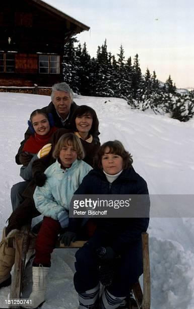 "Tarek Helmy, Timo Niessner, Peter Weck, Thekla Carola Wied, Julia Biedermann, , Mayrhofen, Tirol, ZDF-Serie: ""Ich heirate eine Familie"", Folge:..."