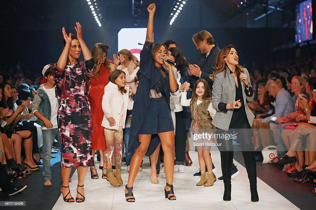 Target Runway - 2015 Melbourne Fashion Festival : Nachrichtenfoto