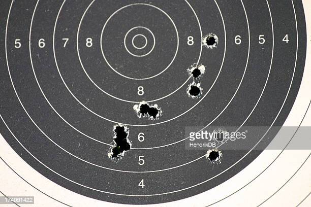 objetivo de práctica - agujero de bala fotografías e imágenes de stock