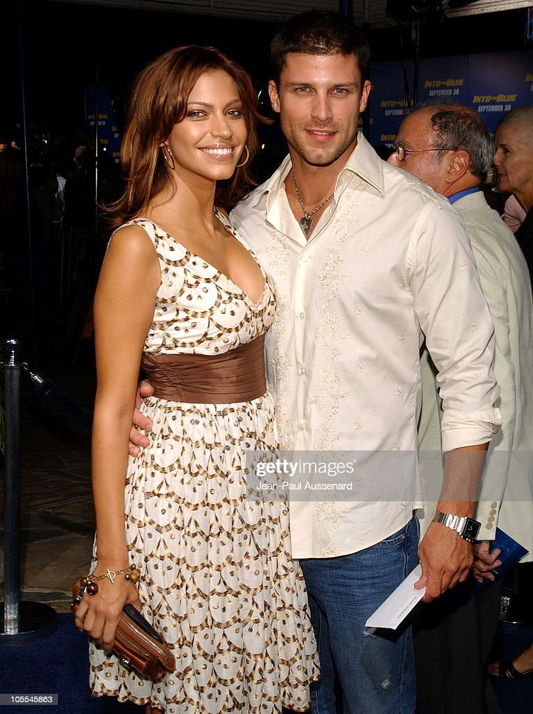 """MGM Pictures and Columbia Pictures """"Into the Blue"""" Premiere - Arrivals : News Photo"""