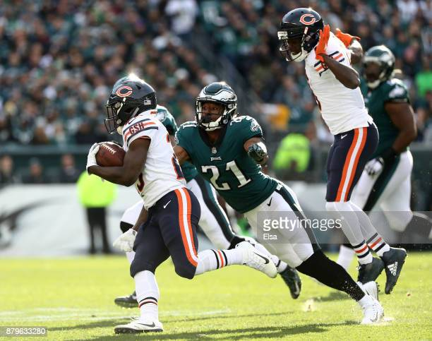 Tarik Cohen of the Chicago Bears carries the ball as Patrick Robinson of the Philadelphia Eagles defends on November 26 2017 at Lincoln Financial...