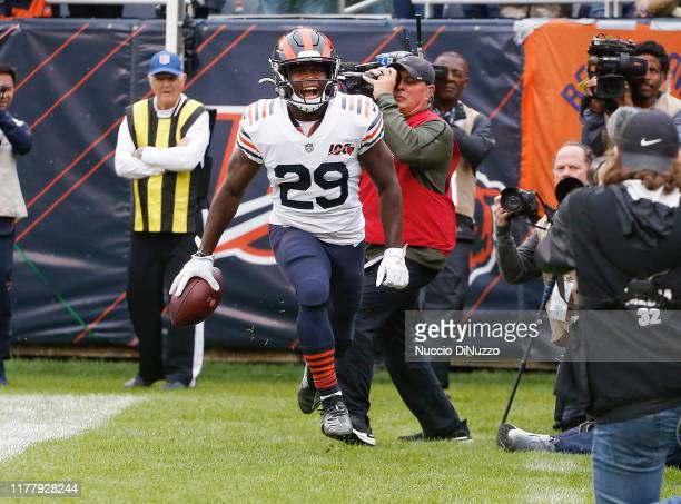 Tarik Cohen of the Chicago Bears celebrates his touchdown during the first quarter against the Minnesota Vikings at Soldier Field on September 29...