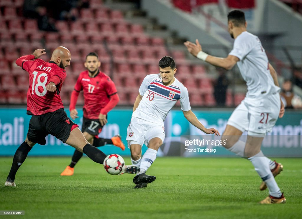 Tarik Elyounoussi, Bjorn Maars Johnsen Of Norway During