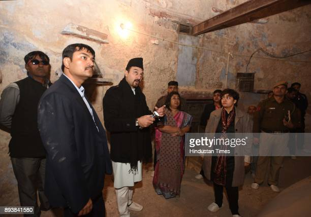 Tariq Bukhari General Secretary of Jama Masjid Advisory Council with Divisional Commissioner Manisha Saxena and Nidhi Srivastava IAS DM with other...