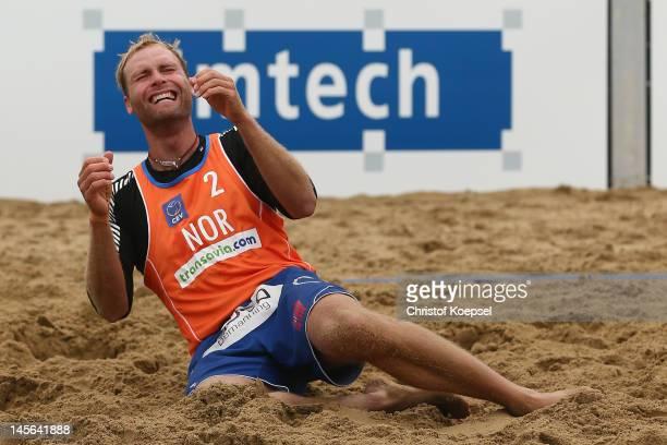 Tarjei Skarlund of Norway celebrates the victory after the men's third place match between Michal Kadziola and Jakub Szalankiewicz Jakub...
